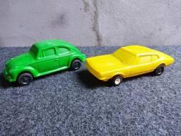 2 carrinhos plástico bolha 50,00 os dois