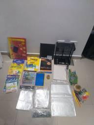 Diversos materiais escolares