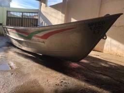 Barco e motor pouquissimo usado