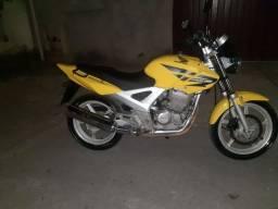 Título do anúncio: Vendo ou troco moto menor