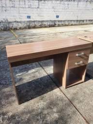 Título do anúncio: Mesa para escritório com gaveta