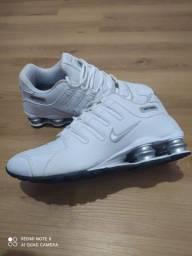 Título do anúncio: Nike shox zn quatro molas Branco