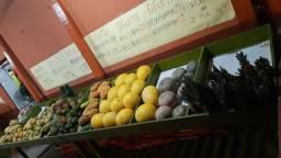 3 expositores  para frutas e verduras