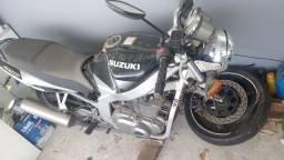 Título do anúncio: moto GS 500 2004
