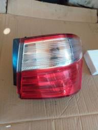 Lanterna traseira grã Siena