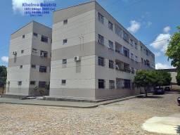 Apartamento, 3 quartos (1 suíte), 1º andar (escada), varanda, próx. ao North Shoping