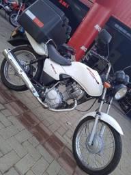 Título do anúncio: Vendo Cargo 2002 bem conservada l aceito moto maior valor