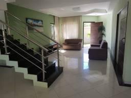 Casa para venda tem 270 metros quadrados com 3 quartos em Village II - Porto Seguro - BA