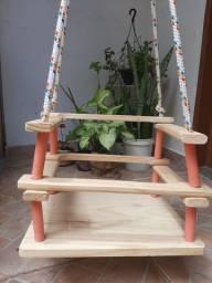 Balanço em madeira