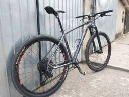 """Bike aro 29"""" 12v (SRAN SX)."""