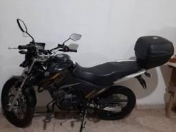 Título do anúncio: Vende-se uma moto