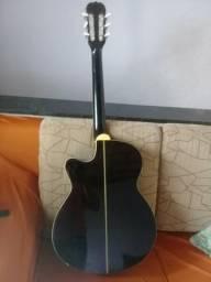 Vendo violão 350,00
