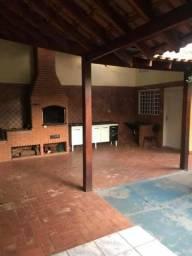 Casa no bairro Santana - rua principal - adaptamos em caso de locação comercial- Araçatuba