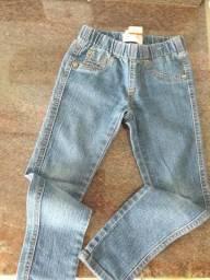Varias peças de roupas sem novas.infantil de 3 a 6 anos , sapatos 26 a 27