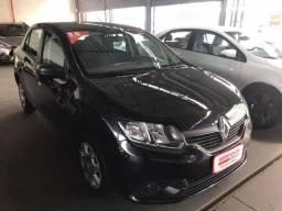 Renault Logan Financia com pequena entrada! Ar Condicionado e Direção Hidráulica! - -2015 - 2015