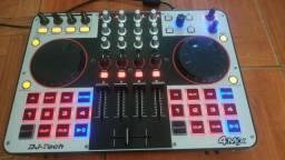 Mesa de dj tech 4 mix novinha sem uso
