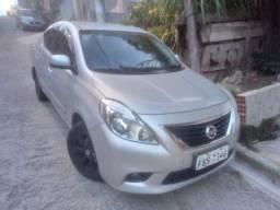 Nissan Versa 2013 vende-se ou troca