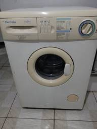 Máquina de lavar conservada