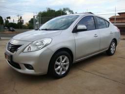 Nissan versa sl 1.6 2013 completo c/ bancos em couro - veja - oferta