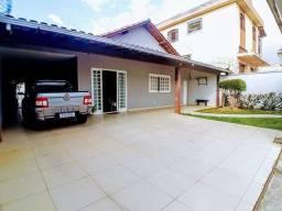 Thaís maravilhosa casa no bairro Alípio de melo