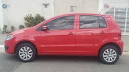 FOX 1.0 Flex completo, ano 2011, vermelho, 4 portas - com ar e direção hidráulica