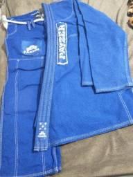 Kimono trançado na cor azul - Tamanho A3 para Jiu-Jitsu