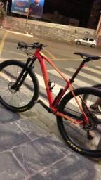 Vendo bike Oggi 7.3, tamanho 17 com algumas alterações!