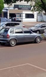 Corsa básico 4 portas 2002
