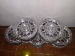 Aro 13 + 4 pneus meia vida