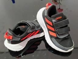 Tênis Adidas original Tam.26