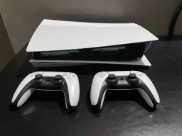 Sony Playstation 5 + 2 controles