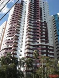 Apartamento  (4Q) - 2 vagas - Px. Igreja do Cabral - Semi-mobiliado