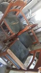 Cadeira de restaurante para criança em cerejeira