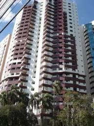 Apartamento no Juvevê - Px. Igreja Cabral - Área util: 189m² - 2 vagas
