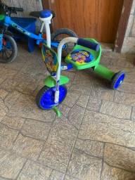 Título do anúncio: Bike de equilíbrio e triciclo