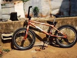 Título do anúncio: Bicicleta BMX PRO BULLY