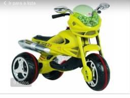 Moto elétrica verde