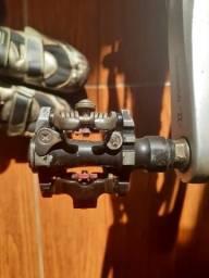 Sapatilha Shimano com pedal e tacos