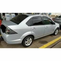 "Fiesta sedan 1.6 ""Completo"" - 2013"