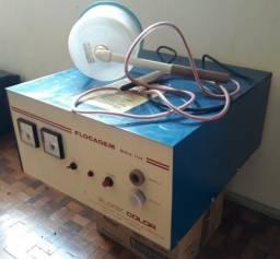 Maquina de flocagem