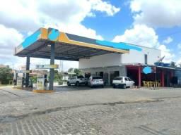 Posto de gasolina no interior
