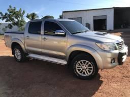 Toyota Hilux extra carro sem detalhes - 2015