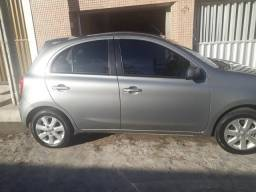 Nissan March 1.6 13/14 R$ 25.000,00 - 2014