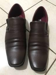 Vendo sapato nunca usado n°42