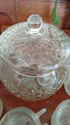Poncheira de Cristal com Canecas, tampa e concha