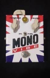 Pedal c Mono Vibe Vibrato Chorus (MG Music) - Usado