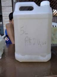 Sabão caseiro líquido e em barra