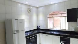 Casa à venda - B. Das Oliveiras