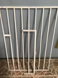 Título do anúncio: Portão de ferro pequeno