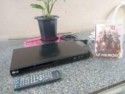 Título do anúncio: DVD LG super com conservado com mais de 50 filmes de brinde